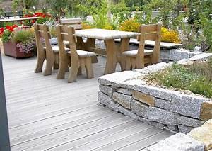 Gestaltung Von Terrassen : terrasse mit kleiner mauer terrassengestaltung ~ Markanthonyermac.com Haus und Dekorationen